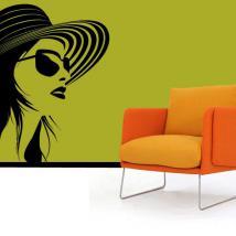 Silhouette féminine de la décoration murs