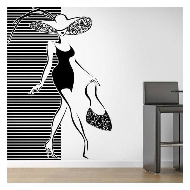Décorer la silhouette de femme murs