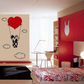 Amour décoratif de vinyle dans les nuages