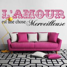 Vinyle décoratif amour est une chose merveilleuse
