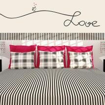 Textes de vinyle décoratifs ornent les murs amour