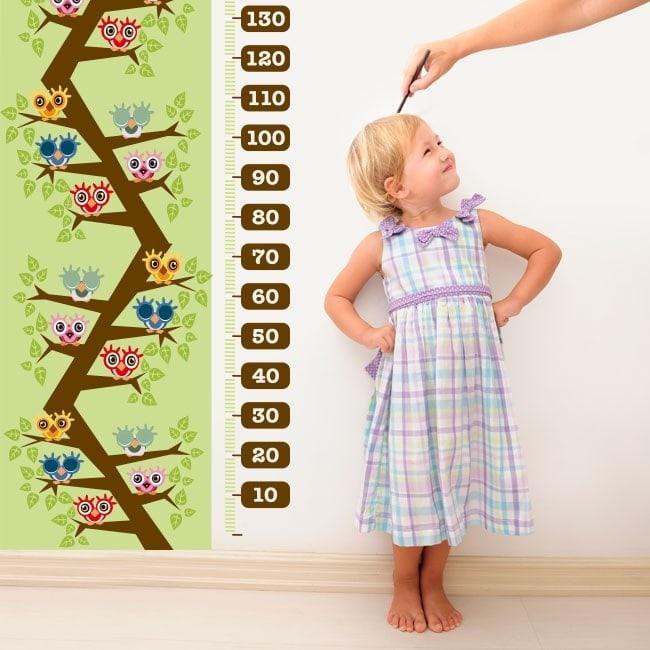 Enfant de jauge hiboux de vinyle dans l'arborescence