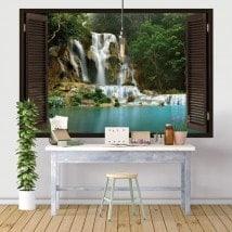 Fenêtres de vinyle chutes d'eau dans la forêt
