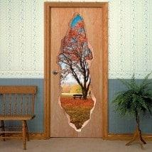 Vinyls pour arbre de portes à l'automne