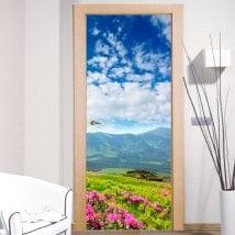 Vinyle pour portes fleurs dans les montagnes