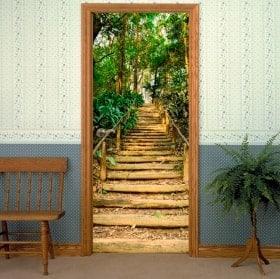 Vinyle décoratif portes escalier en forêt