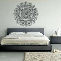 Vinyle des mandalas pour décorer les murs et les objets