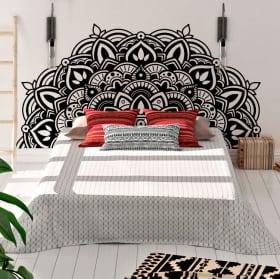 Vinyle les murs la moitié du mandala à décorer