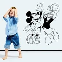 Vinyle de souris mickey et donald duck jouer au basket
