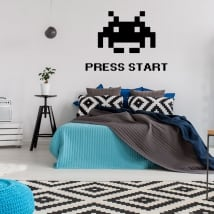 Vinyles et autocollants press start space invaders