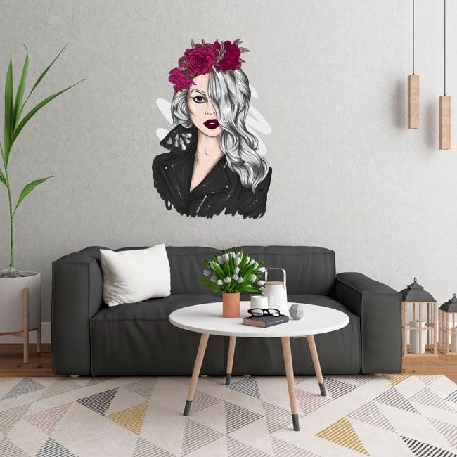 Vinyles et autocollants silhouette de femme avec des fleurs