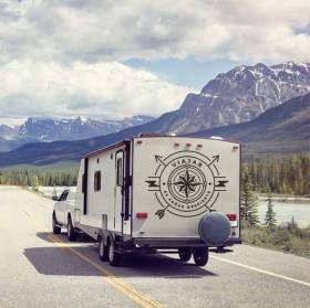 Vinyles caravanes phrase voyager c'est rêver