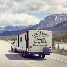Vinyles et autocollants caravanes phrase la vie est belle