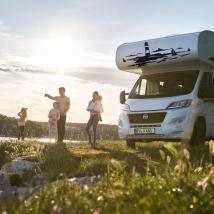 Vinyles décoratifs camping-cars phare dans la mer