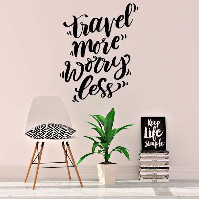 Vinyle avec phrase en anglais travel more worry less