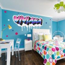 Vinyles adhésifs effet graffiti avec des noms personnalisés